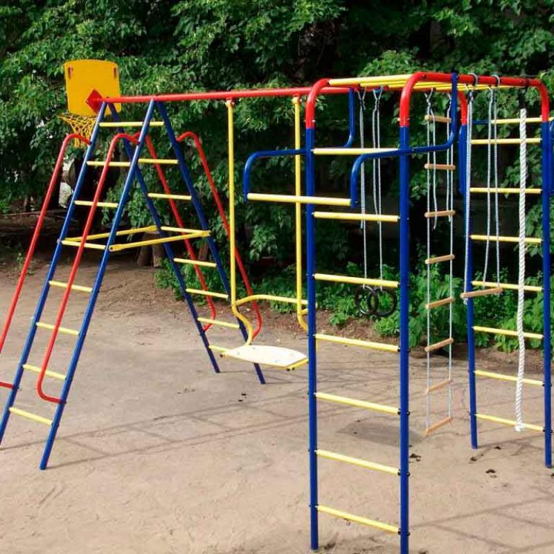 Сделать детскую спортивную площадку